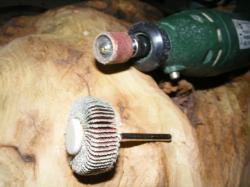 Sculpture au Dremel : Poncage