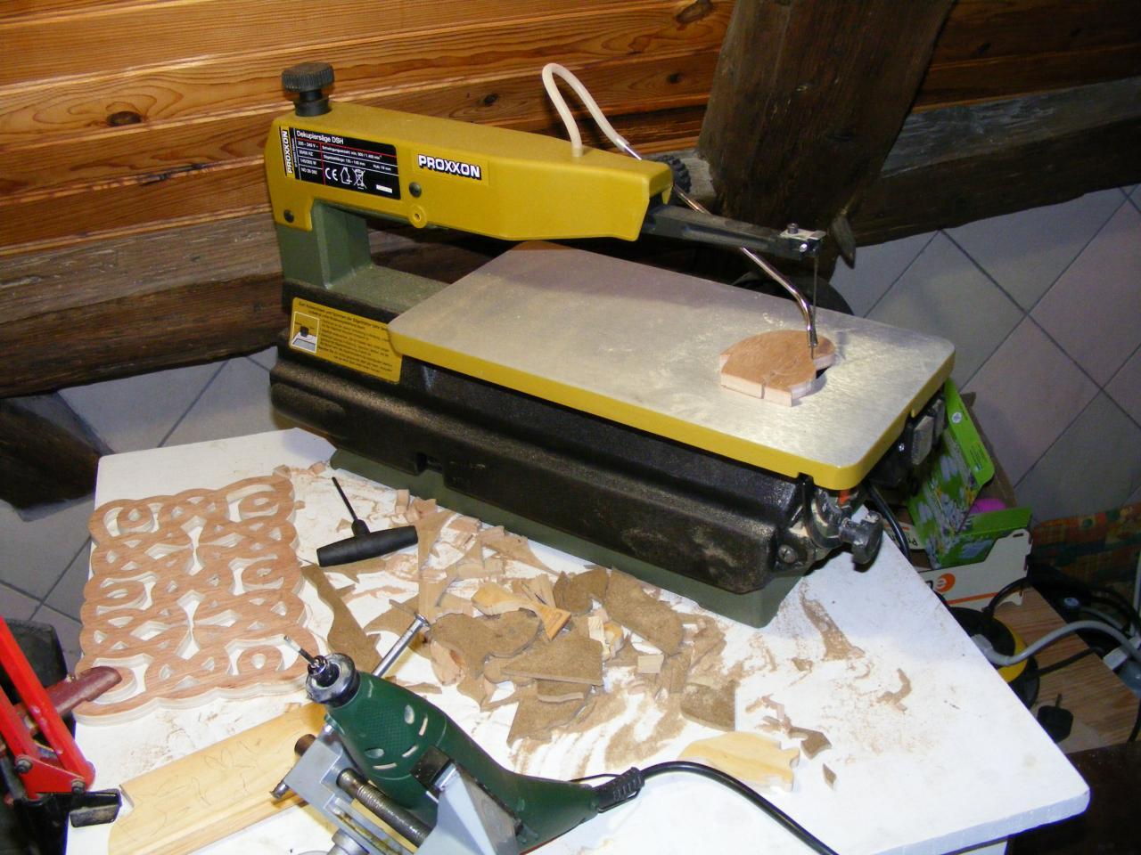 scies chantourner pour d coupe du bois. Black Bedroom Furniture Sets. Home Design Ideas